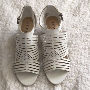 "JUSTFAB white wedge NEW ""making plans"" 9"